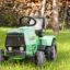 Traktor ogrodowy. Niezastąpione akcesorium czy fanaberia?